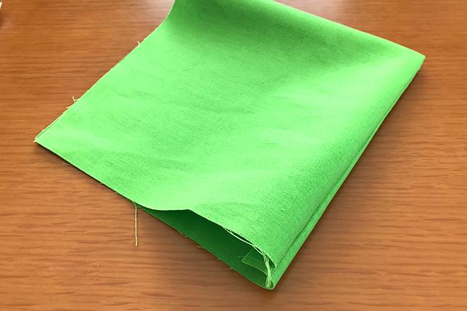 仮置きマスクケース布を縫う